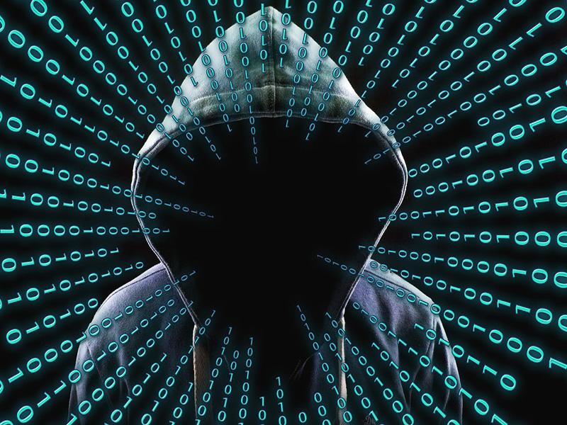 sagoma-cappuccio-virus-computer